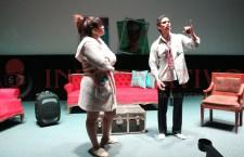 Estrenan Vive el teatro Huajuapan con la obra Ellas contra ellos
