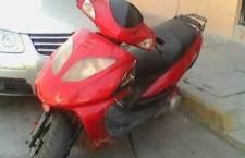Abandonan motoneta presuntamente robada