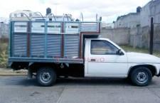 Aseguran a conductor y camioneta robada