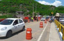 Reabren paso a Oaxaca por puente Tequisistlán