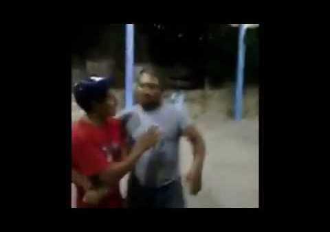 Edil de Oaxaca detiene a jóvenes por jugar futbol en explanada del Palacio