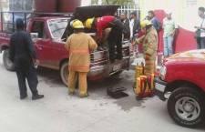 Se incendia camioneta por corto circuito