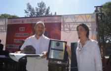 Entregan máscara mortuoria de Juárez en Huajuapan