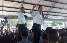 Regresa Peña Nieto entre marchas, bloqueos y cuestionamientos a programas de reconstrucción por sismos