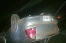 Accidente de auto deja dos lesionados