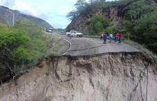 Dañan sismo y lluvias 75% de red carretera de Oaxaca