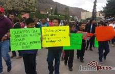 Ante lento avance en la reconstrucción en el Istmo, toman clases en la calle