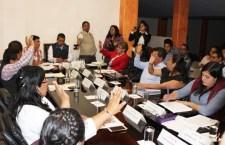Persisten condiciones deplorables en carreteras de la Mixteca; Ayuntamiento de Huajuapan urge atención
