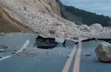 Lluvias dejan derrumbes en diferentes carreteras de Oaxaca