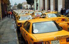 Amplían años de circulación a taxis pese a mal servicio