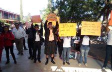 Alumnas denuncian acoso sexual en Cobao