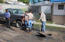 Colapsa drenaje de la calle Allende en Huajuapan