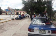 Denuncian circulación de más taxis del sitio Héroes Mixtecos