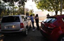 Detienen a doctor que manejaba ebrio y le encuentran una pistola y un arma blanca en Tehuacán