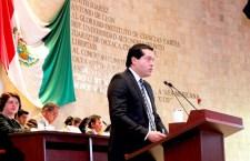 "Con ""poses"", diputados ""despiden"" a Gallardo Casas; Presidente de la Mesa, le regala boleto ""a la Chingada"""