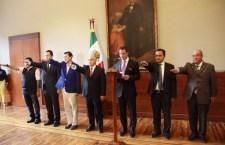 Solo 5 secretarios se mantienen del gabinete inicial de Murat
