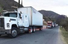 """Comuneros se niegan a """"negociar con secuestradores' en Juxtlahuaca"""