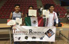 Jóvenes Mixtecos logran reto internacional en Robótica en Colombia