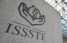 Jubilados de la CNTE alistan protestas en el ISSSTE