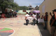 Entre globos blancos y lágrimas, despidieron a Brenda en Huajuapan | Informativo 6y7