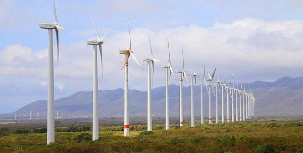 Juchitecos toman eólica por segundo día; exigen cumplir acuerdos