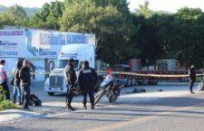 Acribillan a conductor de tráiler; recibió al menos cinco proyectiles de arma de fuego | Informativo 6 y 7