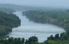 Un mujer migrante y su hijo de un año mueren al intentar cruzar el Río Bravo desde México a EU
