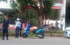 Mujer resulta herida en choque de moto y camioneta | Informativo 6 y 7