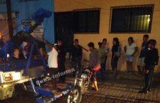 Mujer motociclista atropella a un menor en Putla   Informativo 6 y 7