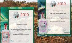 Reciben mezcales mixtecos del Viejo Manuelón, reconocimiento internacional