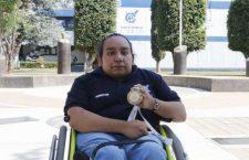 Estudiante de la UABJO gana medalla de oro en Paralimpiada Nacional