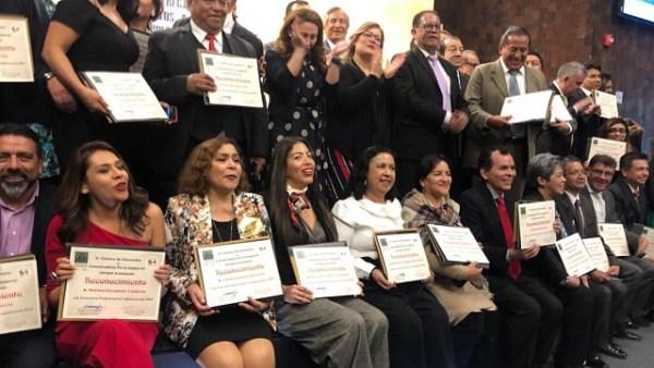 Recibe Ma. de los Ángeles Nivón reconocimiento a trayectoria Profesional en Comunicación