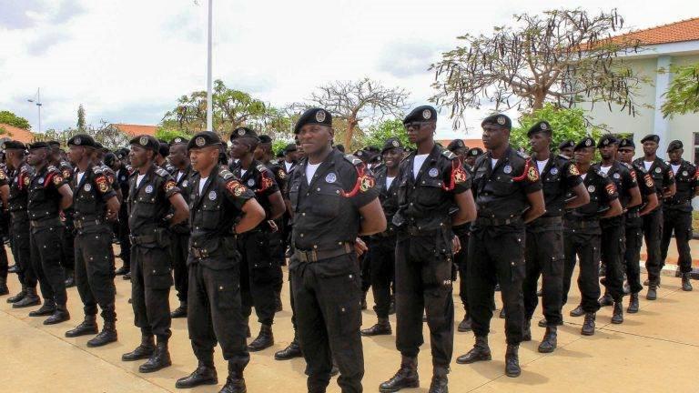 Vinte Mil efectivos da Polícia em Luanda estarão assegurar a passagem de ano