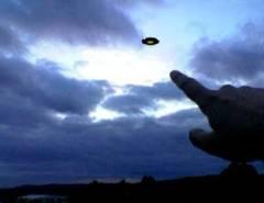 Ufólogo visitou hoje as dunas de Porto do Mangue-RN para estudar o caso de aparição de disco voador visto por turista