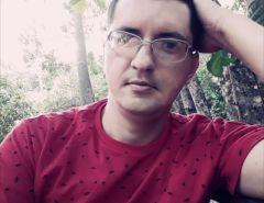 Vídeo: Policial Hermano Mangabeira faz filho refém ao lado da Igreja Matriz