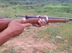 Homem se entrega após matar irmão com tiro de espingarda