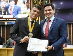 Melhor jogador do mundial sub-17, Gabriel Veron é homenageado na ALRN