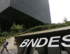 Demissão de funcionário gera crise no BNDES