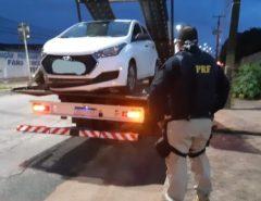 Em São Gonçalo do Amarante dupla é detida  pela PRF após tomar carro de assalto e fazer motorista refém