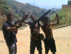 É O FIM DO MUNDO: PM do RJ pode ser punida por impedir festa de traficante em favela  Fonte: Portal Grande Ponto