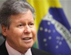Atestado de incompetência: Prefeito de Manaus vai tratar coronavírus em SP