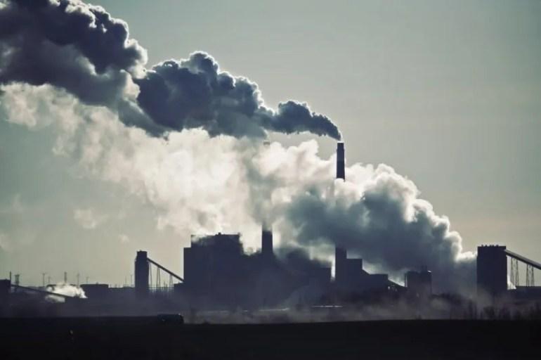 penyebab pencemaran udara asap pabrik