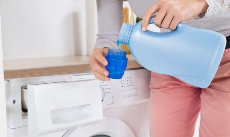 Mencuci dengan Pewangi