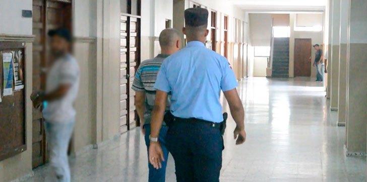 Aplazan revisión medida de coerción agente policial acusado de ultimar dos jóvenes en SFM – Informe56