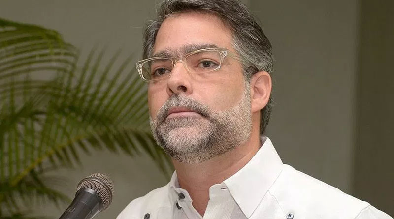 Ernesto Selman presenta renuncia a militancia del PLD –