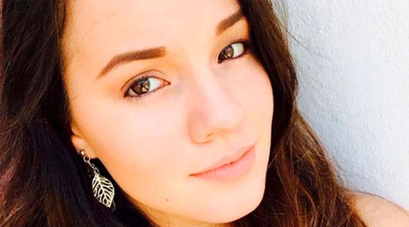 Sara Sosa y su madre salen por puerta trasera de funeraria y tratan de engañar a reporteros –