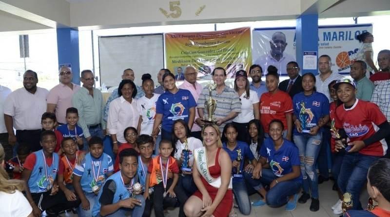 Realizan premiación vigésimo Juegos Deportivos San Vicente en SFM