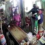 Video: Atracadores fuertemente armados cargan con todo de un colmado en Higüey