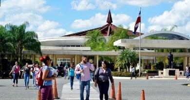 UASD gradúa 746 profesionales en distintas especialidades
