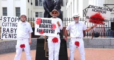 Hombres Manchados de Sangre protestan en Florida contra la circuncisión